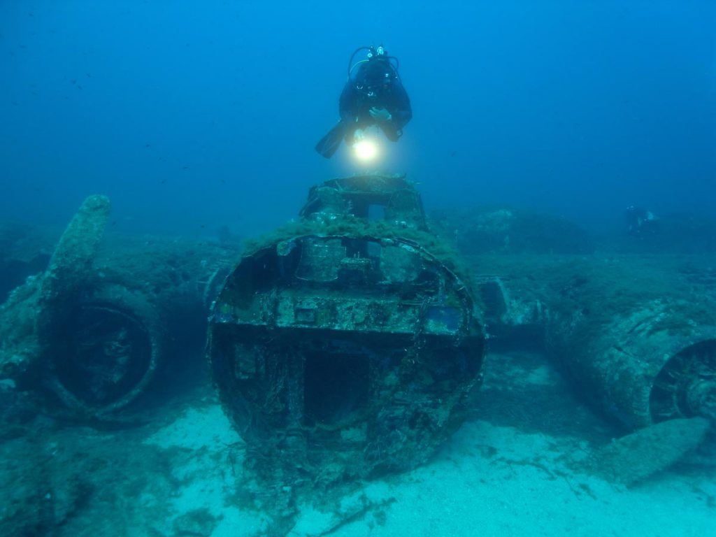 Wreck B17 Front Calvi Corsica