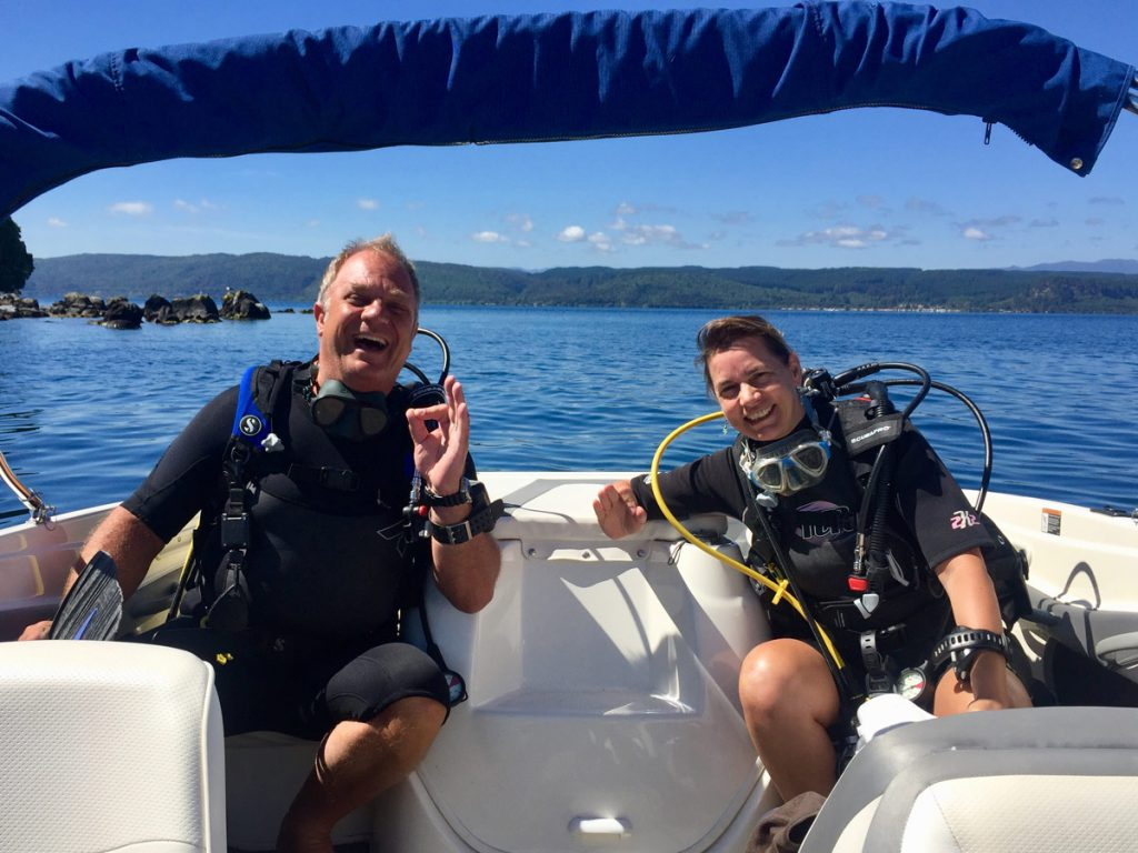 Buddy Team ready for Diving in Lake Taupo