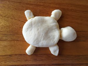 how to create a turtle with yeast dough